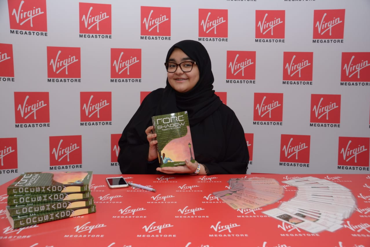 Leena is ready to sign books (and have fun!)