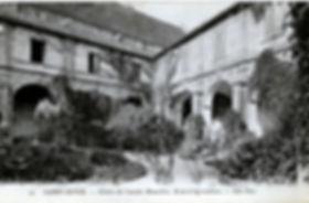 Cloître du couvent des Jacobins au début du XXe siècle