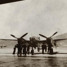 il-P38-di-Antoine-sullo-sfondo-Monte-Dog