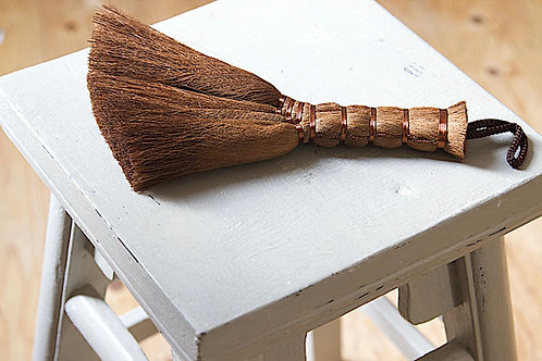 palm table top brush