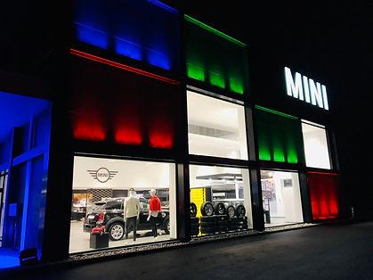 éclairage façade de concession automobile SLS Event