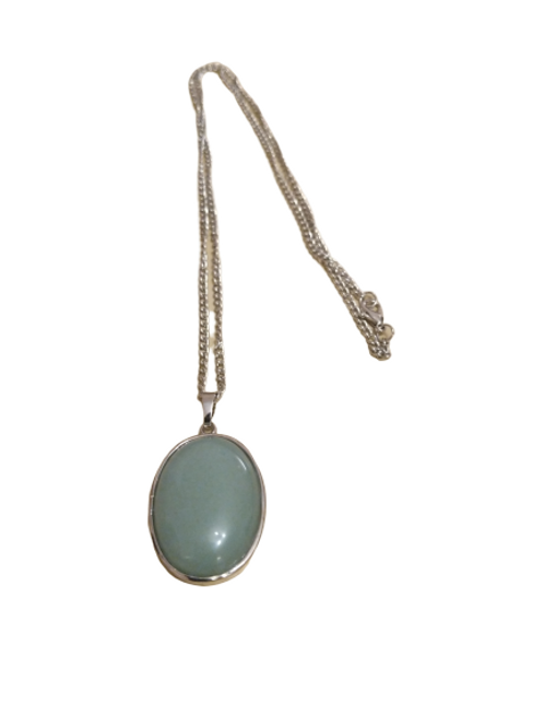 Silver plated aventurine oval pendant/chain/necklace