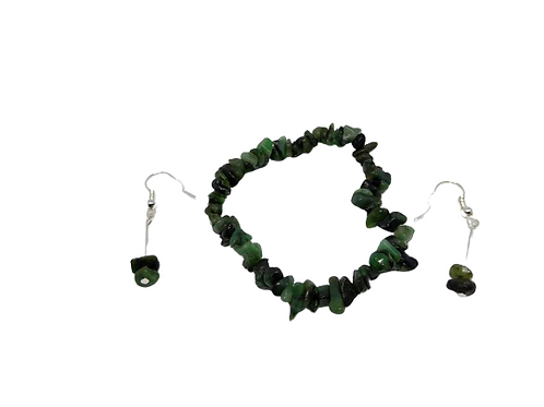 Silver plated emerald chip bead earrings and stretch emerald chip bead bracelet