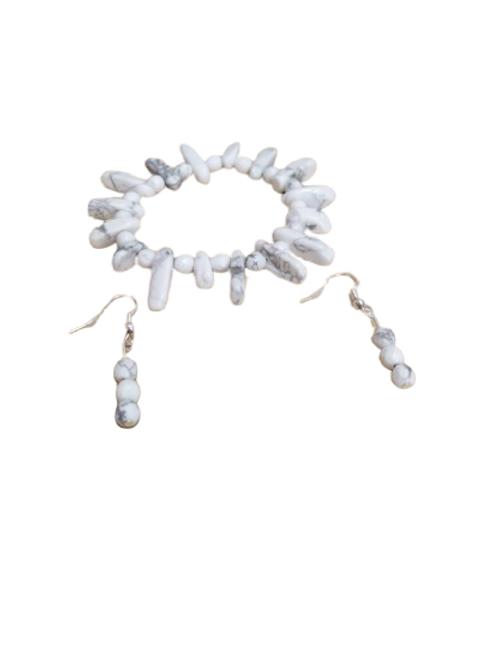 Howlite bracelet and earring jewellery set