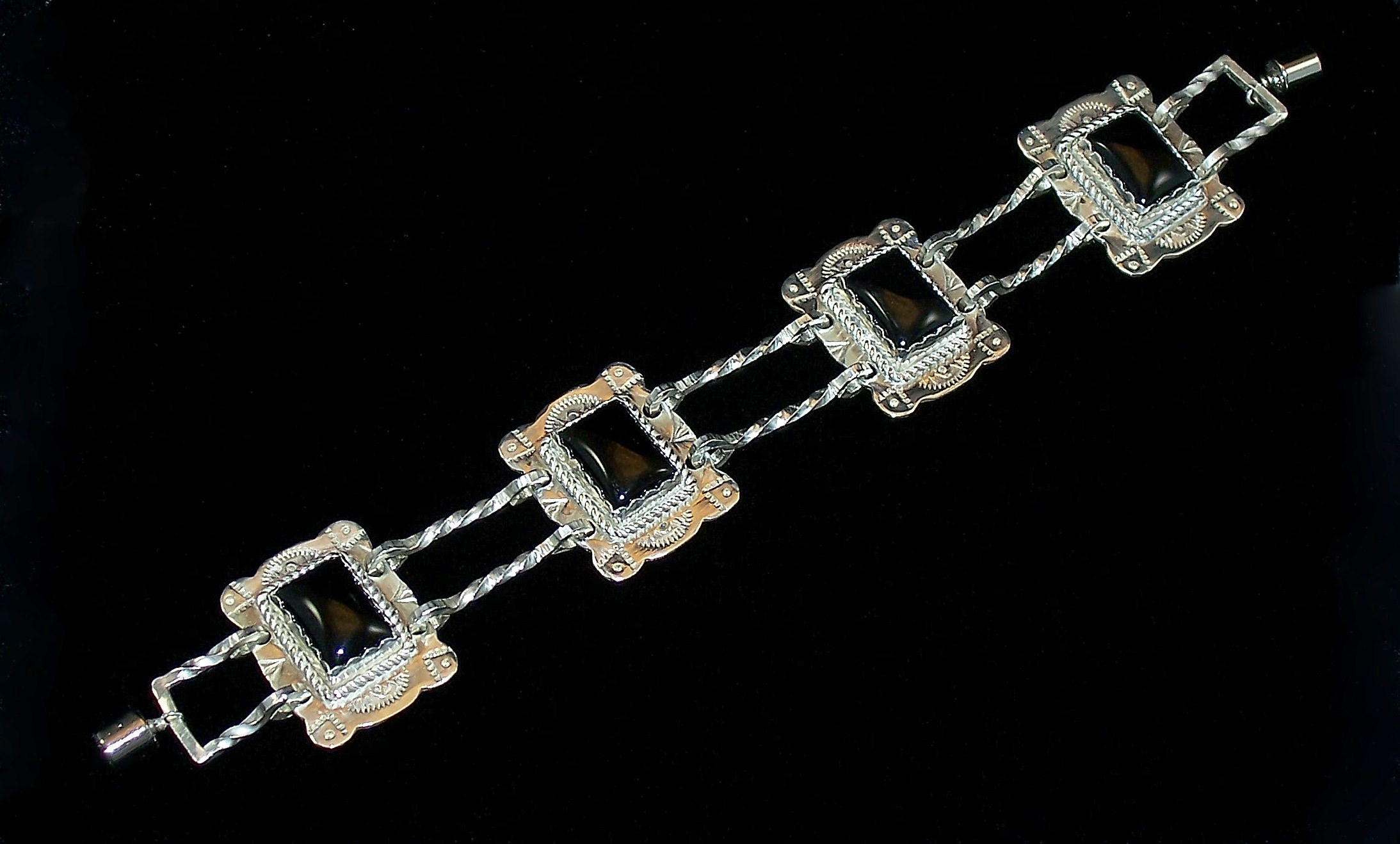onyx_bracelet_1_NI.JPG