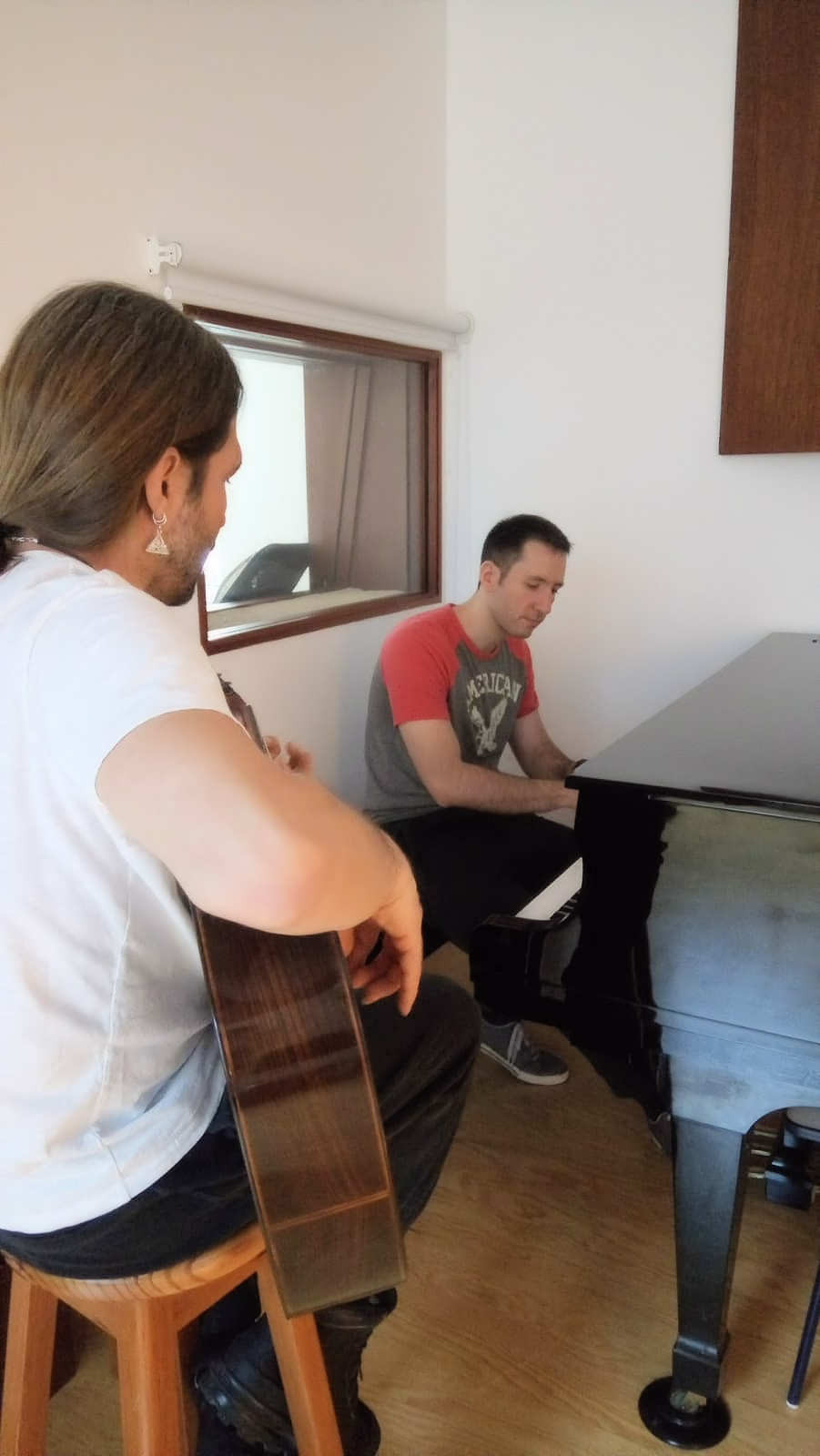 Edy Lan coproducing with Sergio Vallin – picture courtesy by Lore Lan
