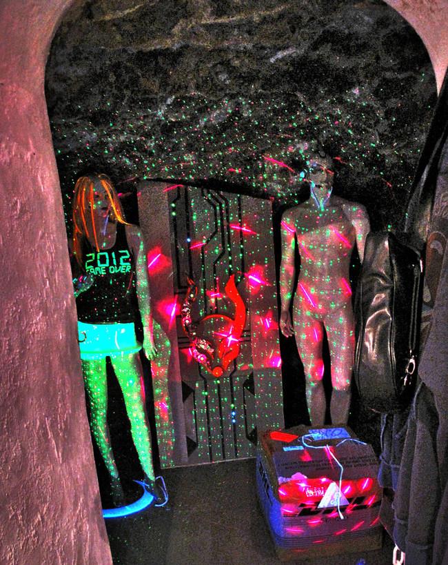 Grotto Mercado