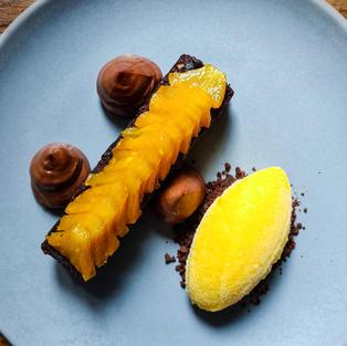 CHOCOLATE BROWNIE & PINEAPPLE - 50