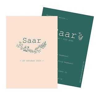 Je vindt hier een Scandinavisch, zomers geboortekaartje met een krans plantjes in fijn licht roze lijnwerk op een donker groene achtergrond. De geboortekaartjes zijn ontworpen door illustrator Karen Vandelaer.