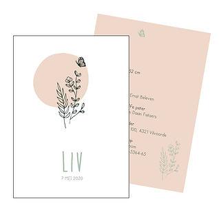 Je vindt hier een Scandinavisch, zomers geboortekaartje met een bosje bloemen, een vlinder en een oud roze zon in fijn, groen lijnwerk. De geboortekaartjes zijn ontworpen door illustrator Karen Vandelaer.