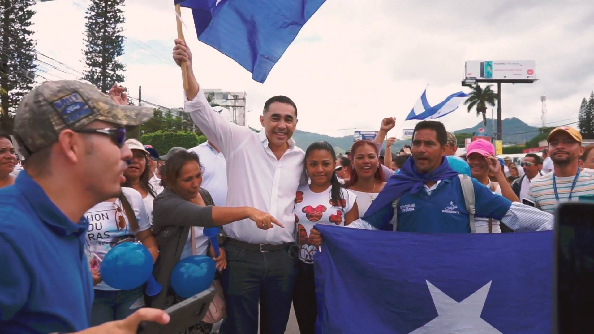 Marcha de apoyo a JOH agosto 10 - Mario Pineda
