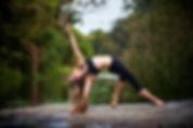 Gwendoline Aliaume, professeur de yoga ashtanga, vinyasa, yin yga, yoga nidra en Vendée. Yoga en salle et extérieur toute l'année