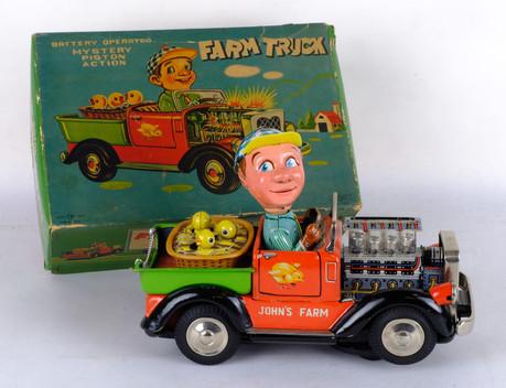 John's Farm Truck Mystery Piston Action Barttery operated años 60