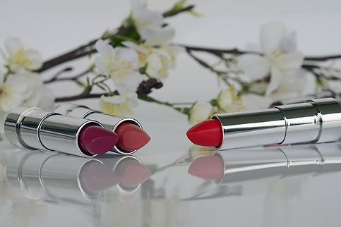 lipstick-1367775_1920_1512x.jpg