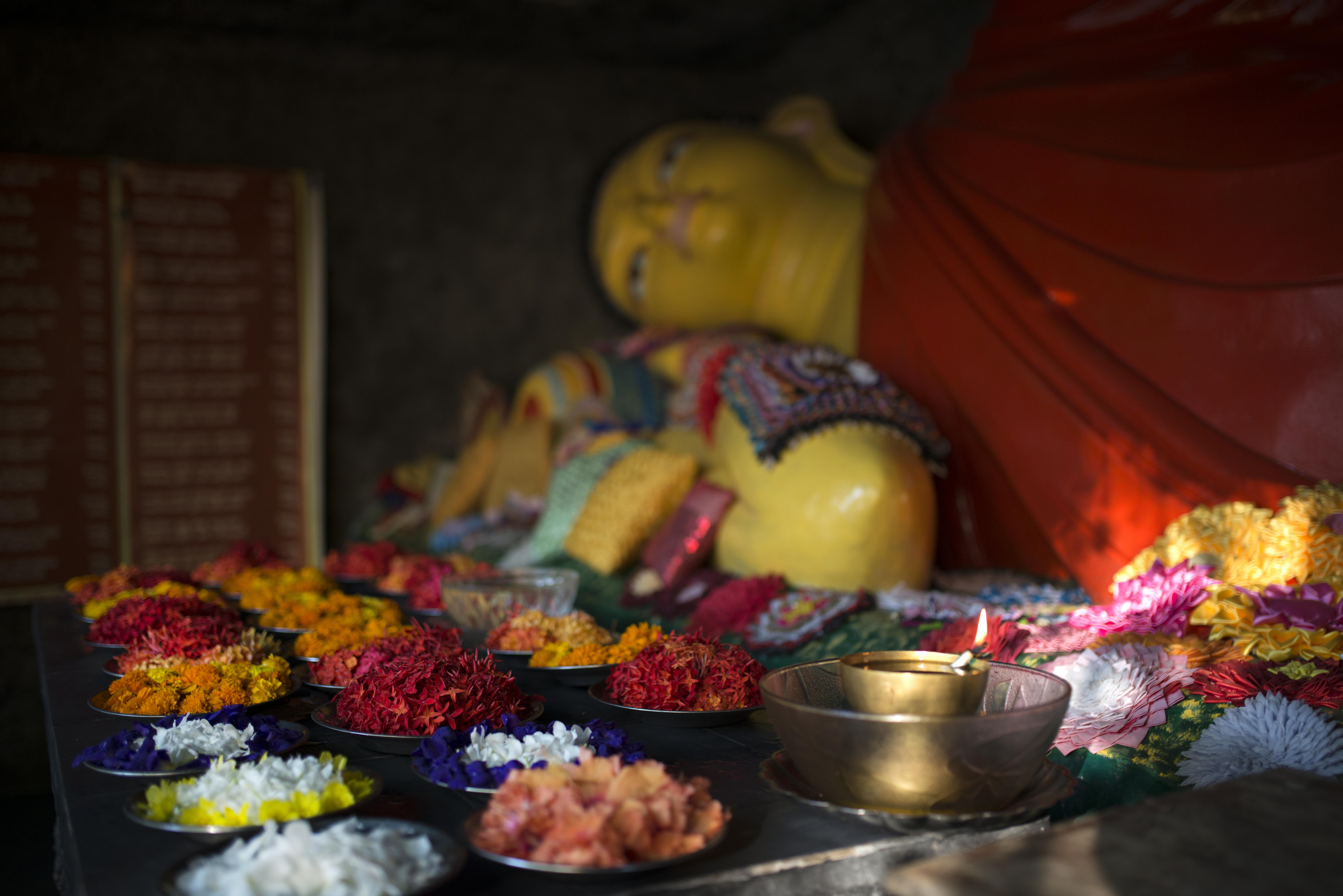 Buddha_flowers