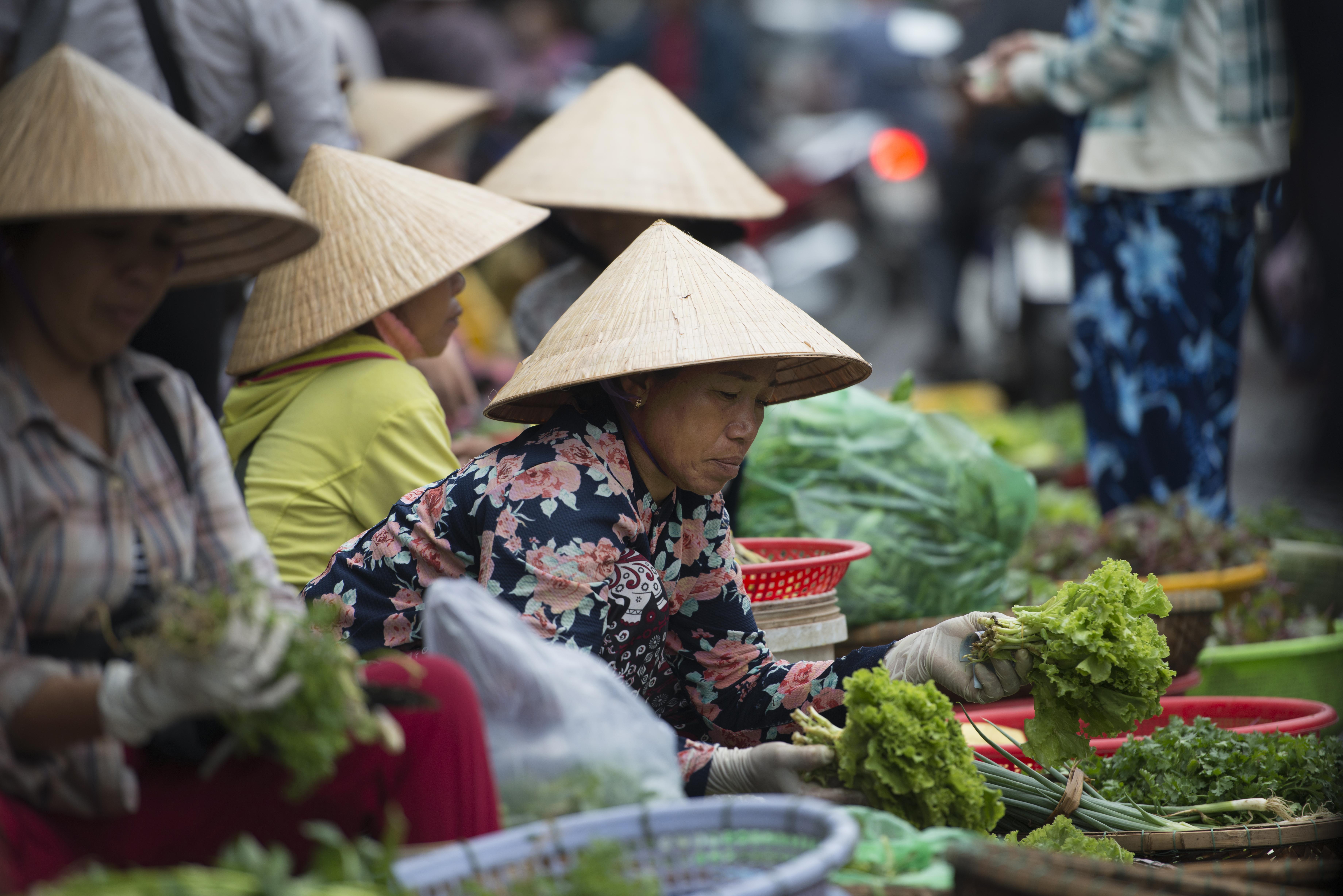 Dong Ba Market_2