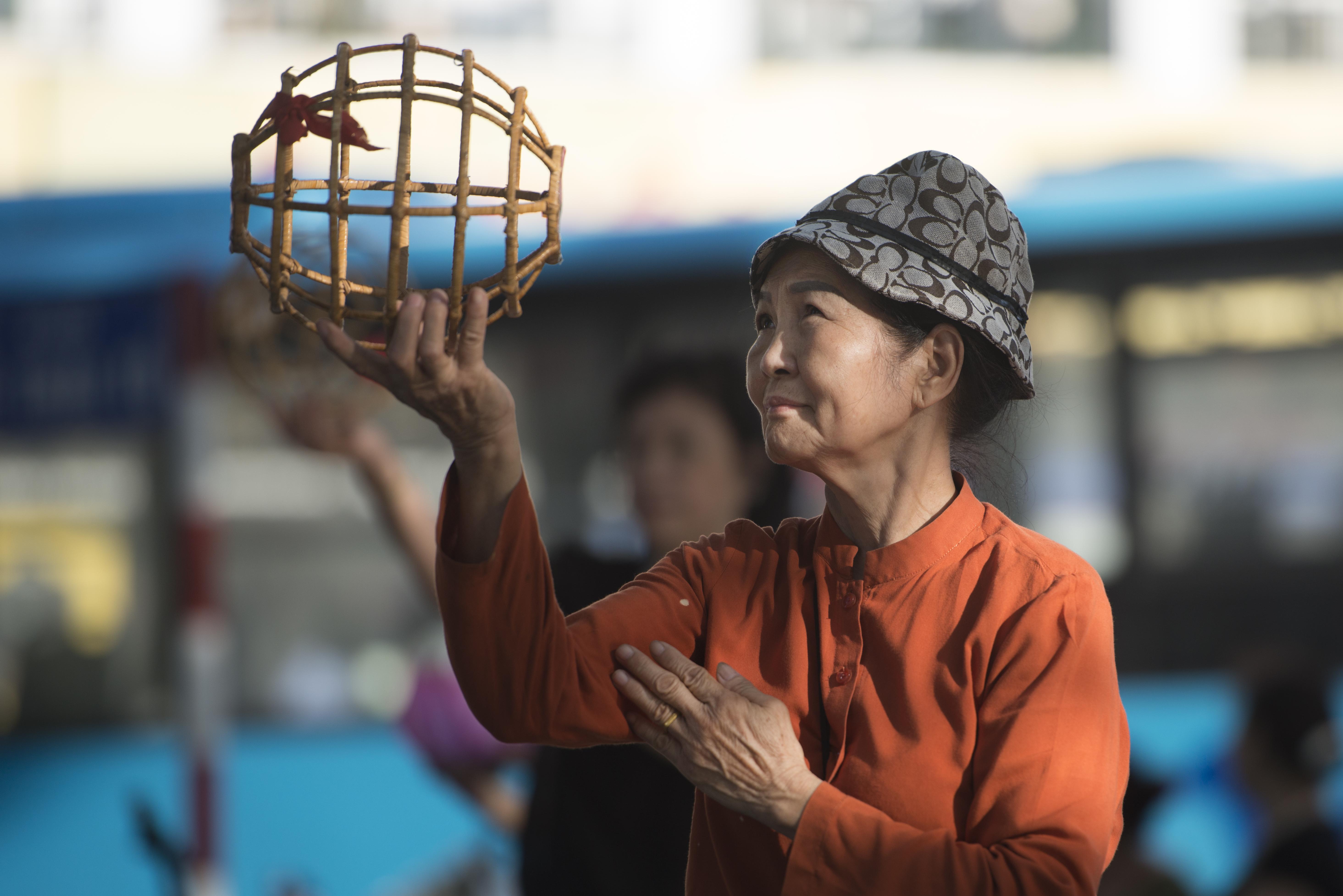 Old Ladies by Huan Kiem Lake_Hanoi