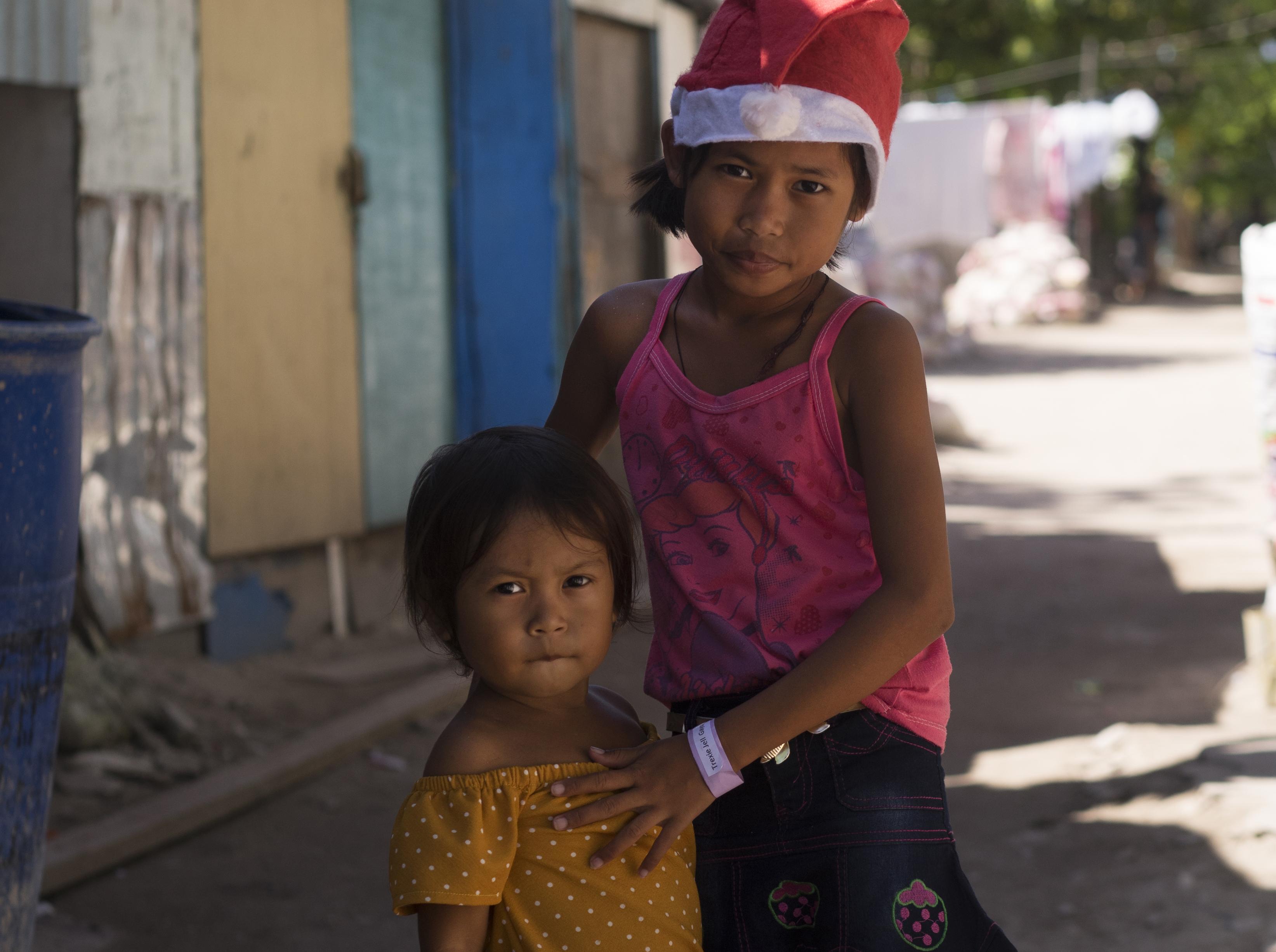 Malapascua Sisters