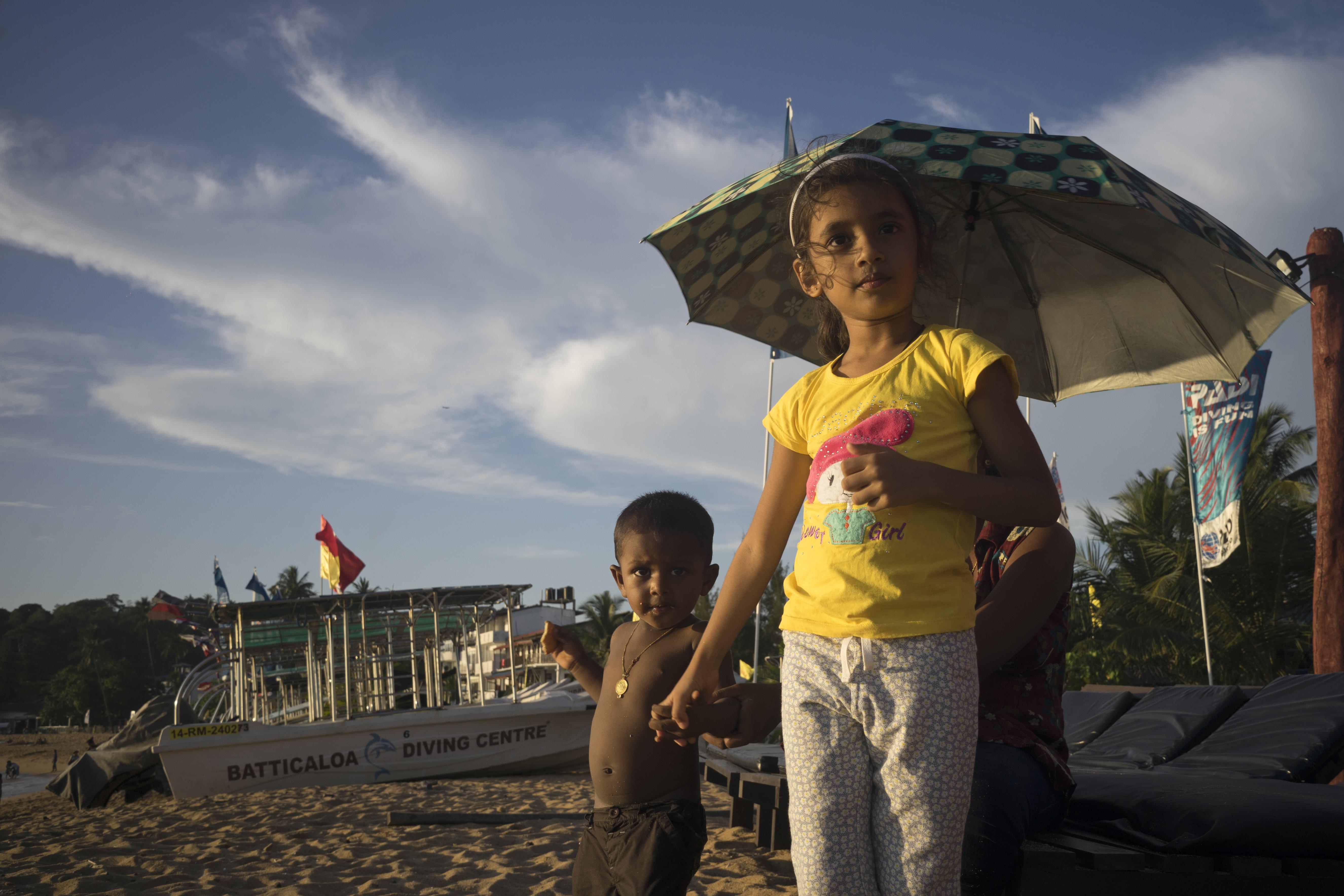 Kids_Unawatuna Beach