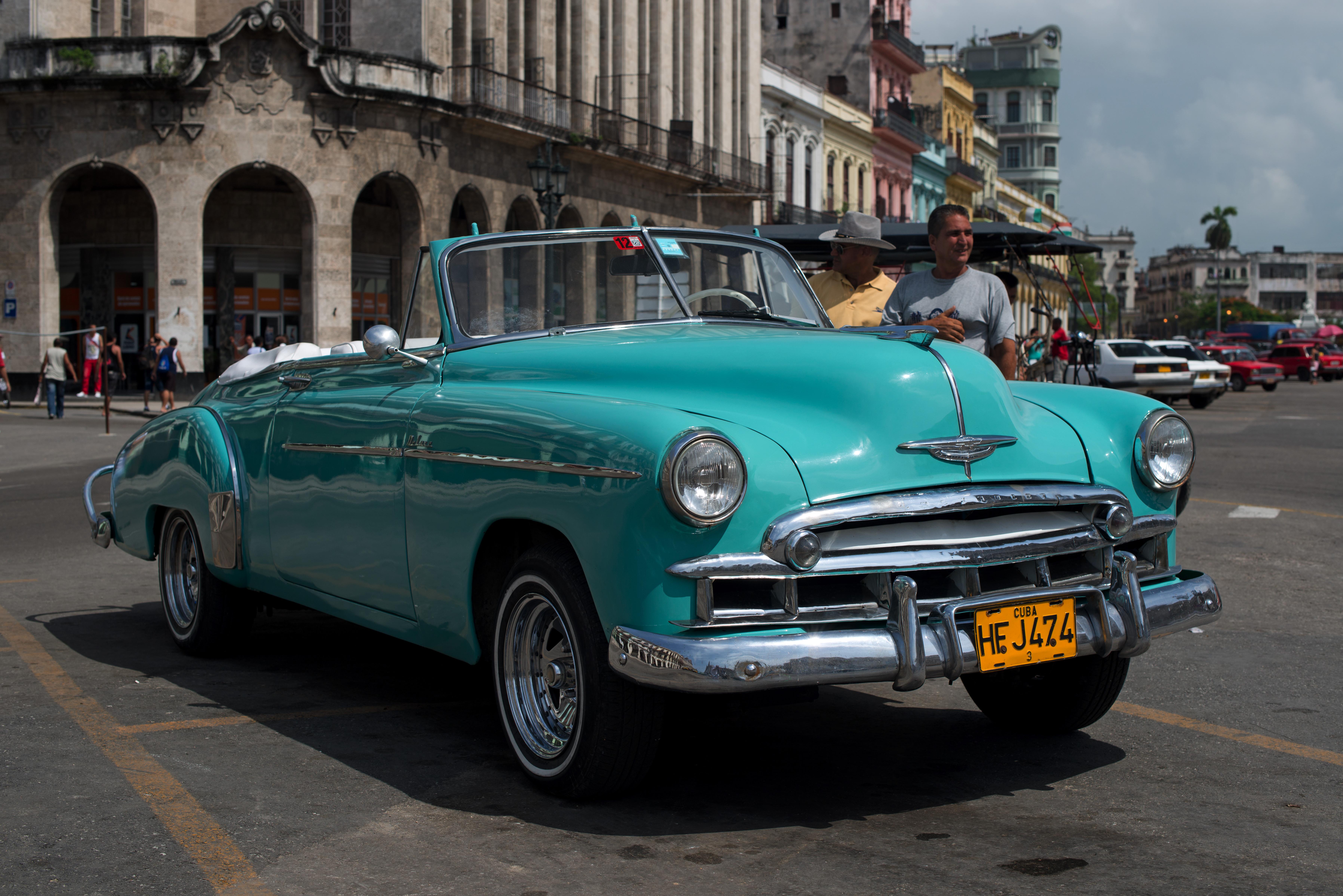 Habana_Chrysler_4_2803Habana_Chrysler_4low