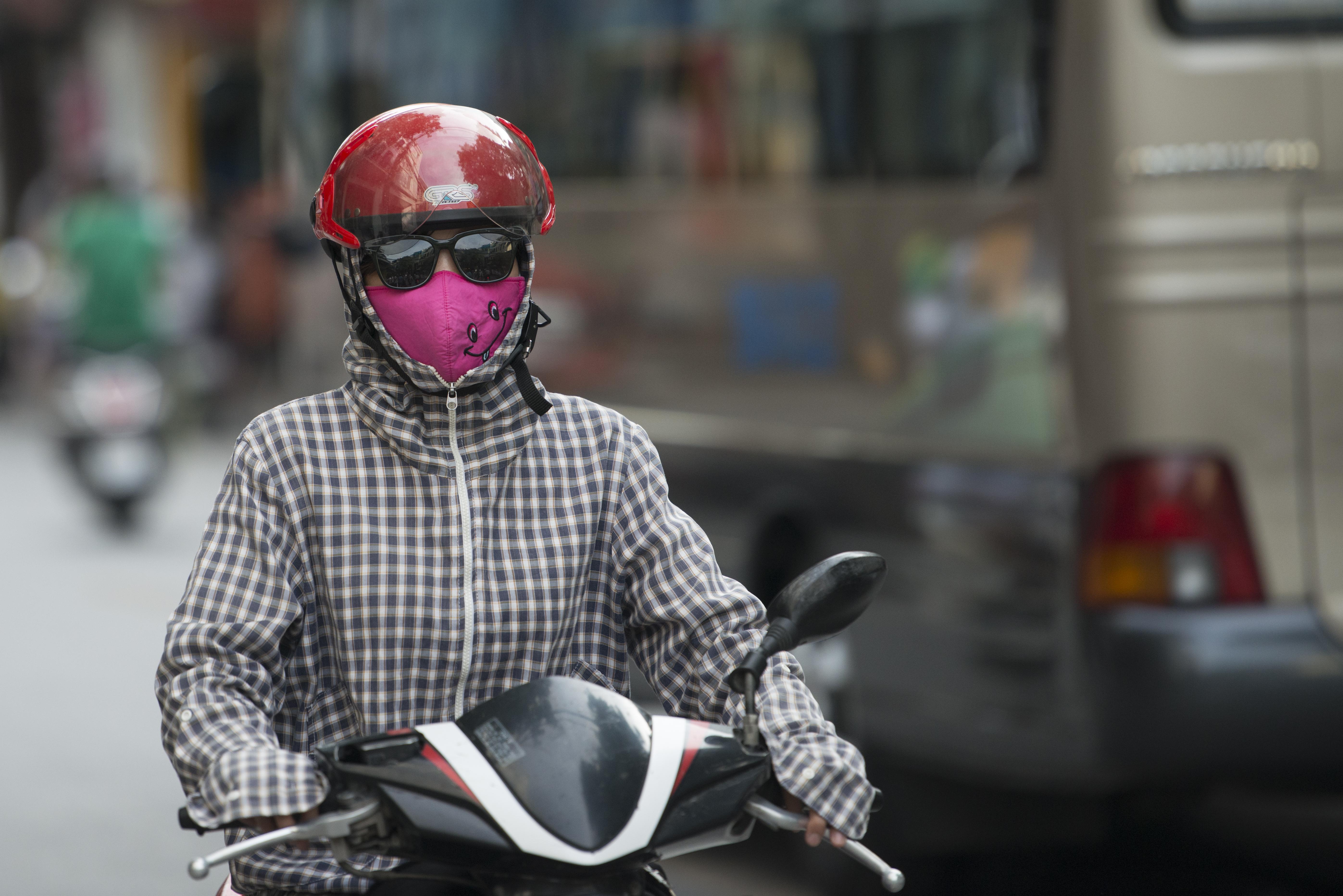 Woman on Scooter_Hanoi