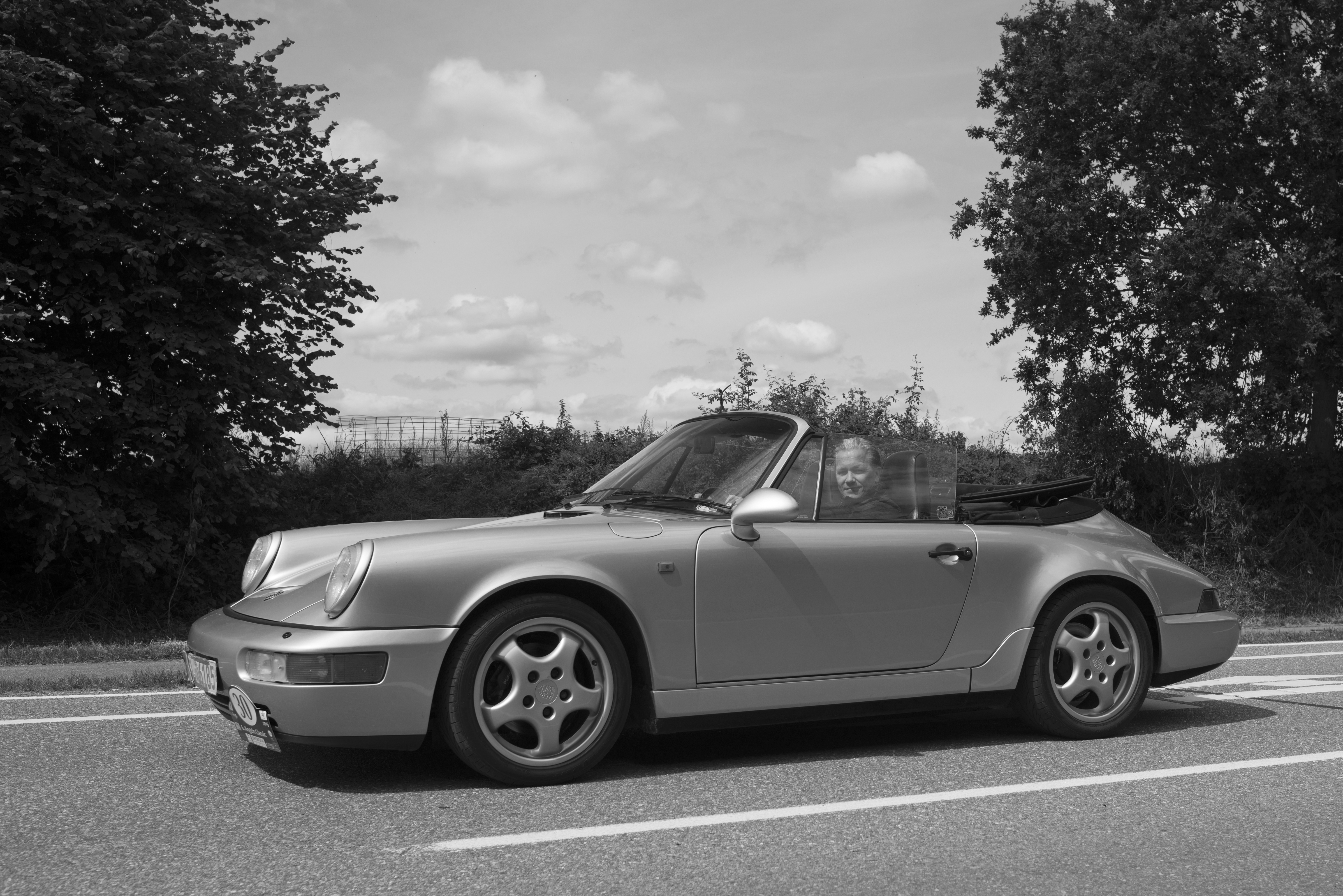 Porsche_Carrera_2_1992