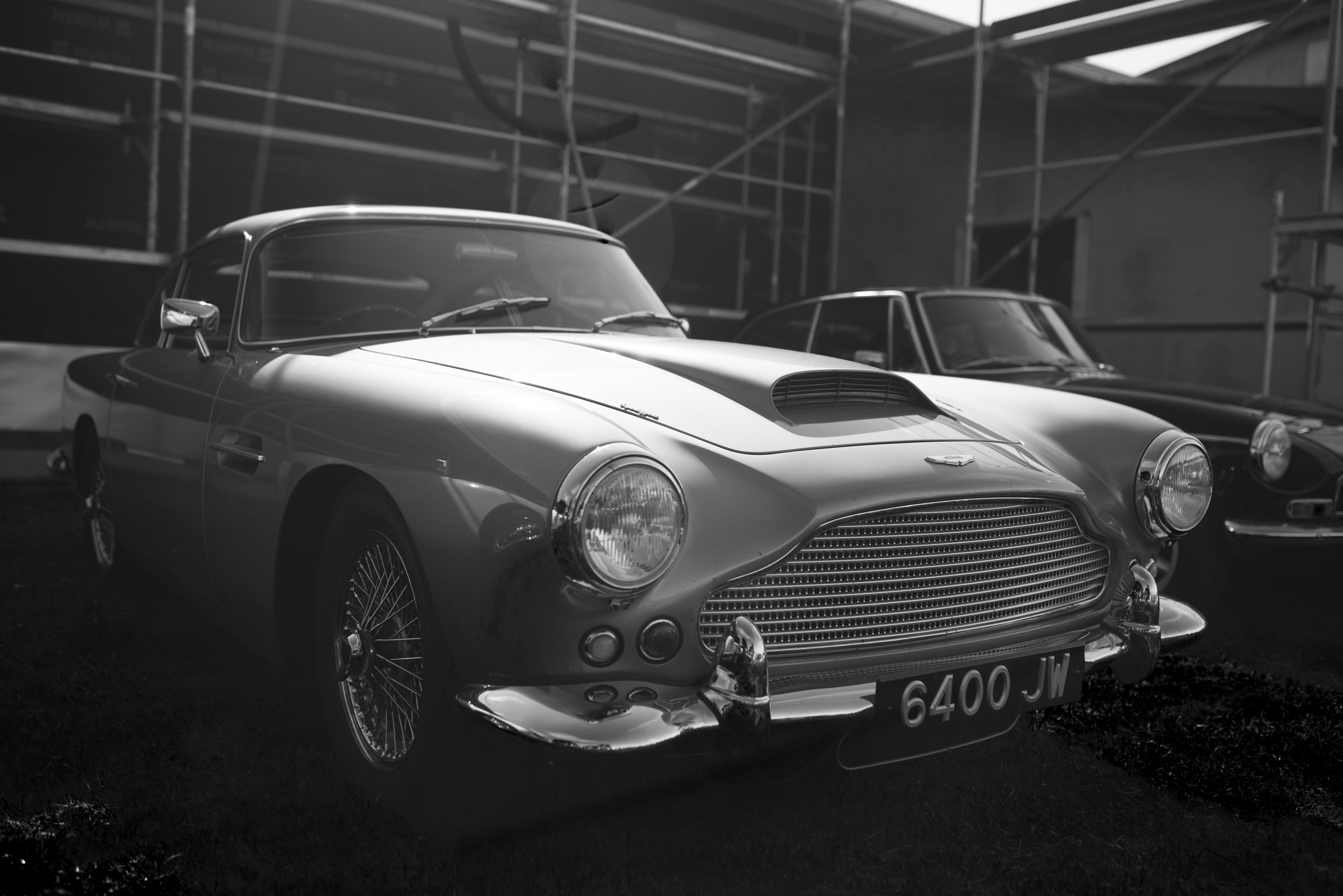 Aston_Martin_DB4_sh2