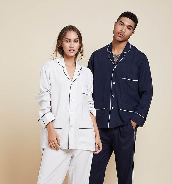 Olivia-von-Halle-Laurent-Navy-silk-pyjam