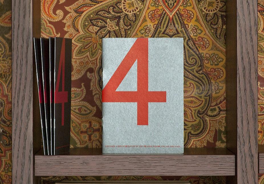 4 in boekenkast2.jpg