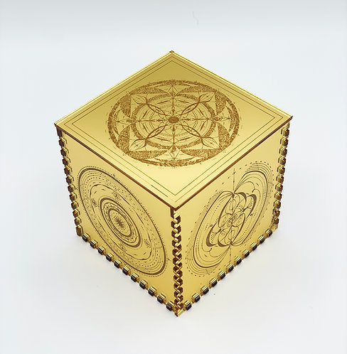 Araina LuminEssence Box