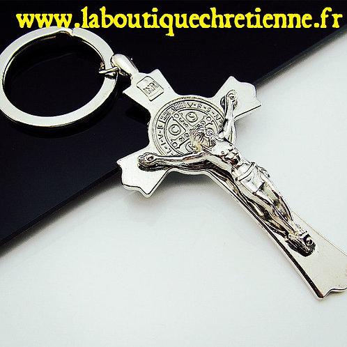 PORTE-CLES JESUS CHRIST CROIX DE SAINT BENOIT