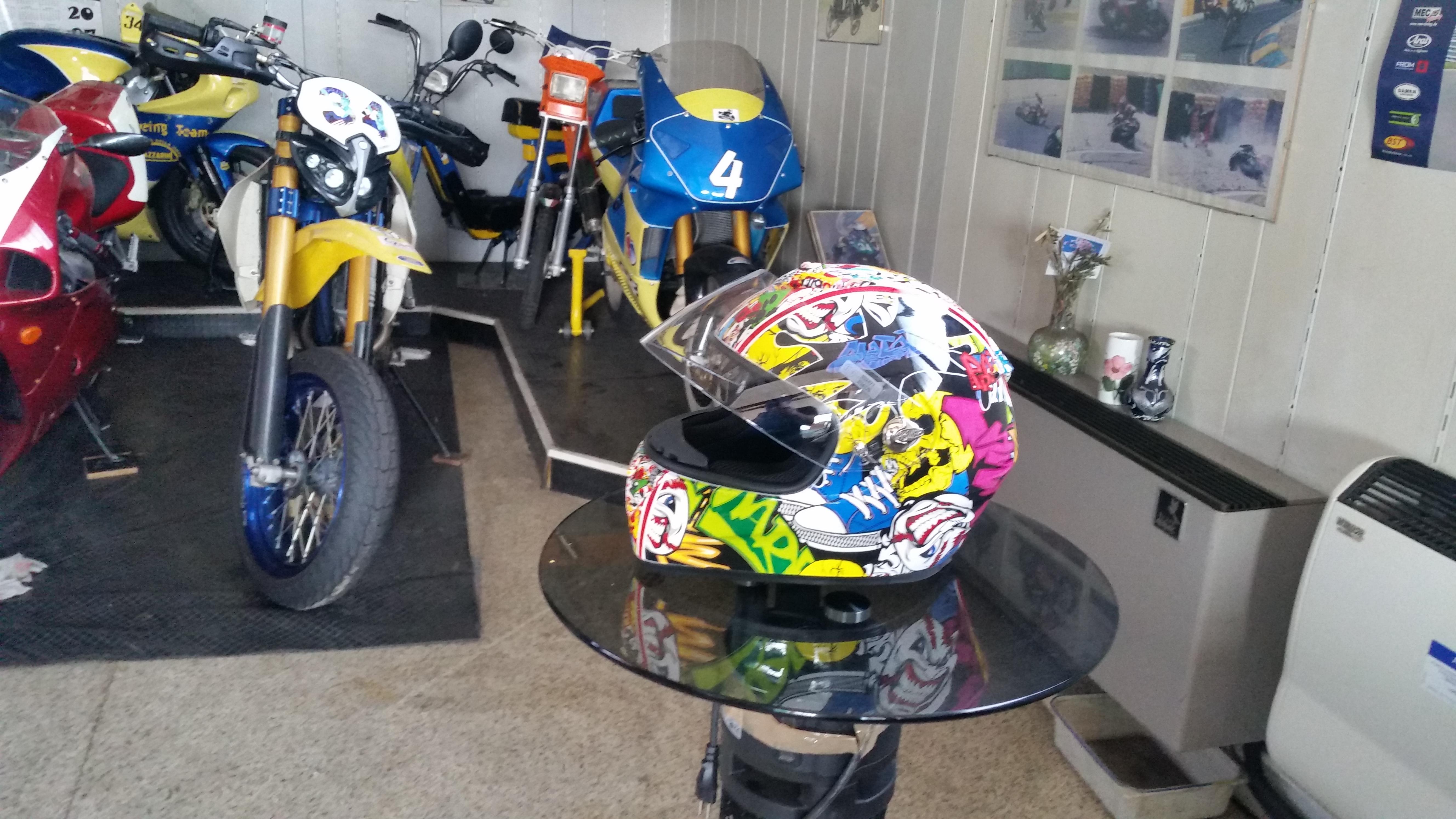 Cubicatura Casco moto Premier
