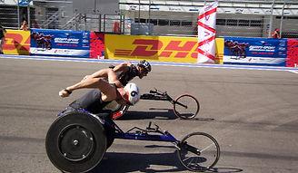 Гонка параатлетов на трассе формула-1 в Сочи