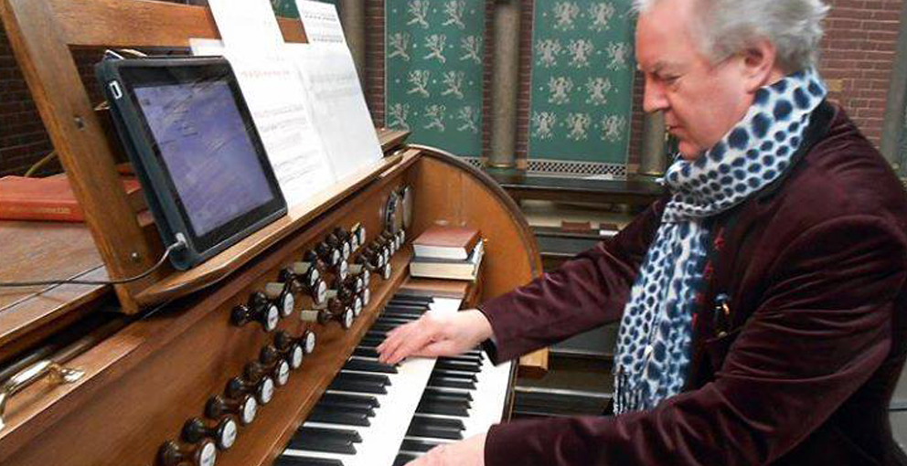 Playing the Church Organ
