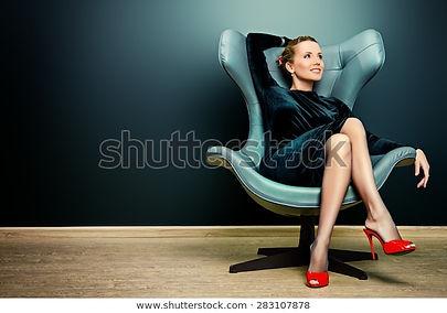 stoel vrouw foto.jpg