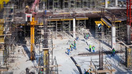 construction-site-in-dubai-CLVDA2S.jpg