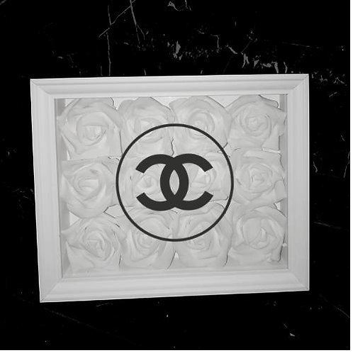 "Glowbox ""Art"" Chanel logo"
