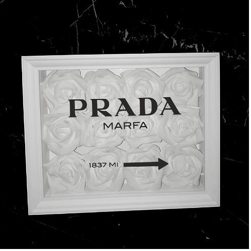 "Glowbox ""Art"" Prada Place"