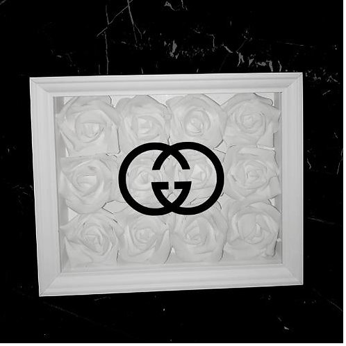 "Glowbox ""Art"" Gucci Logo"
