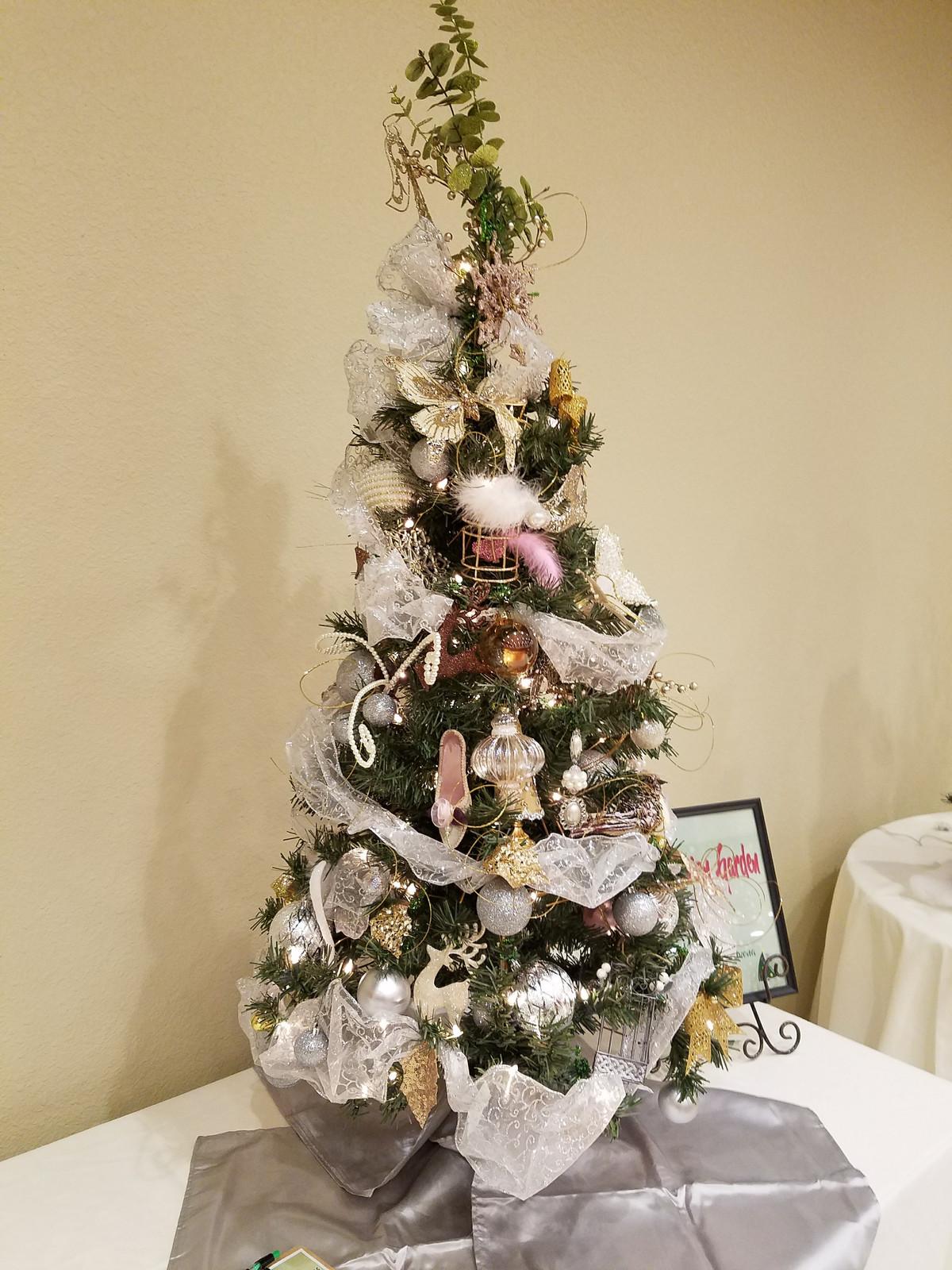 Interfaith Outreach Services | OH! CHRISTMAS TREE
