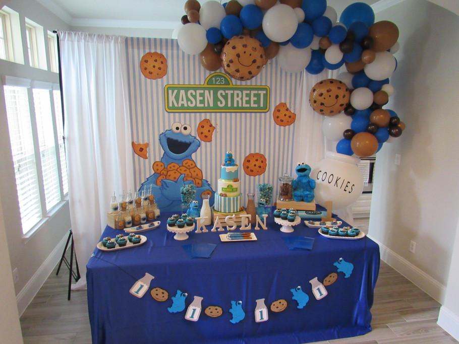 Cookie Monster Dessert Table.jpg