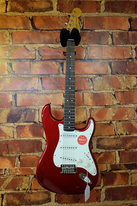 NEW Fender Squire Stratocaster 60's Classic Vibe