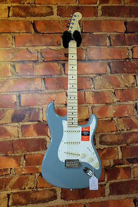 NEW Fender Stratocaster American Professional
