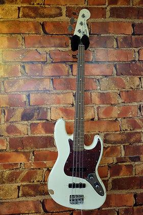 NEW Fender Jazz bass 60th Anniversary road worn