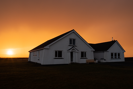 P3161130_Grianaighouse_sunset.png