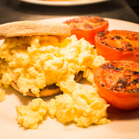 Scrambled egg and tomatoes