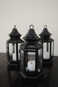 Black Castle Center Lanterns (15))