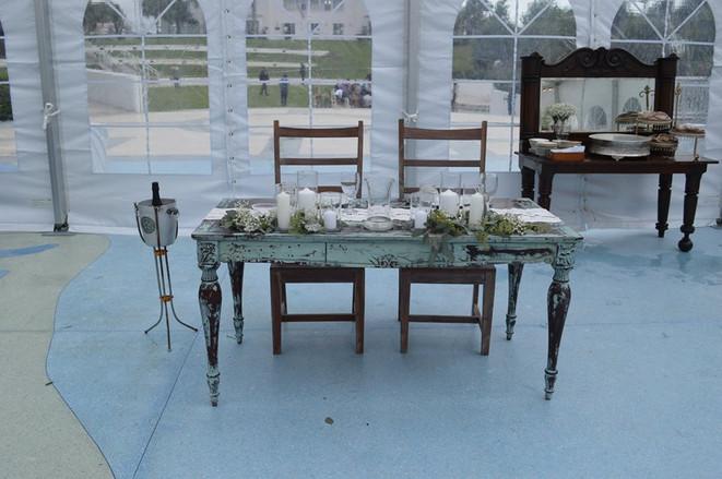 Kitt's Sweetheart Table (2)