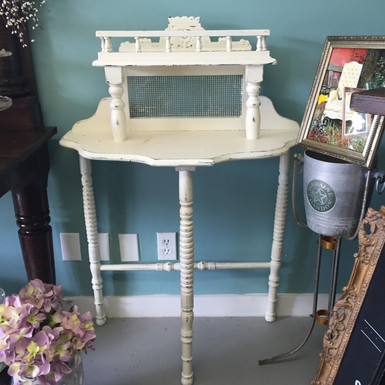 The Cottage Table