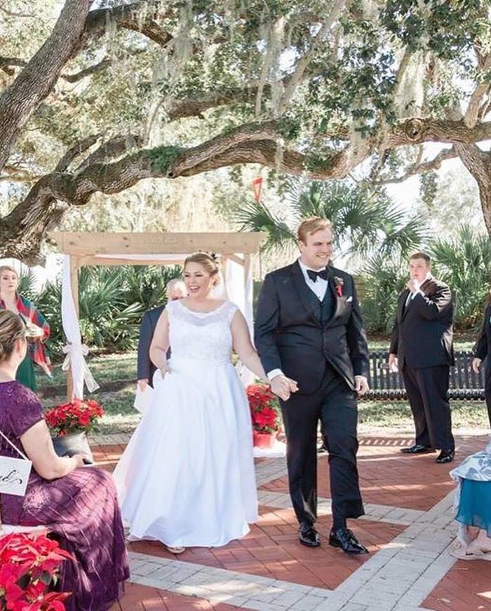 Holiday wedding at the Dolphin Bar